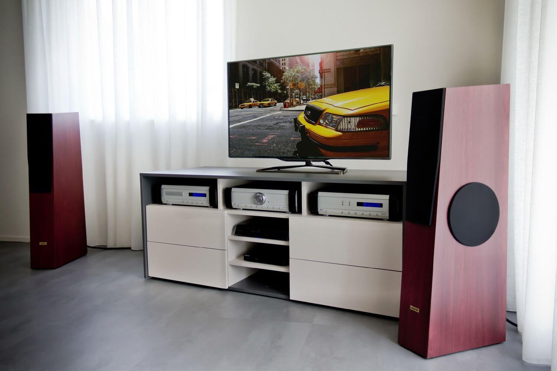 Emondo hifi en tv meubel for Hifi meubel